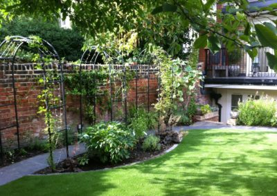 r-traditional-garden-celine-david-garden-design-landscaping-london-picture-2