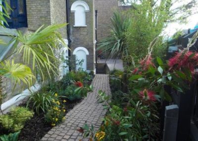 a-tropical-entrance-celine-david-garden-design-london-1